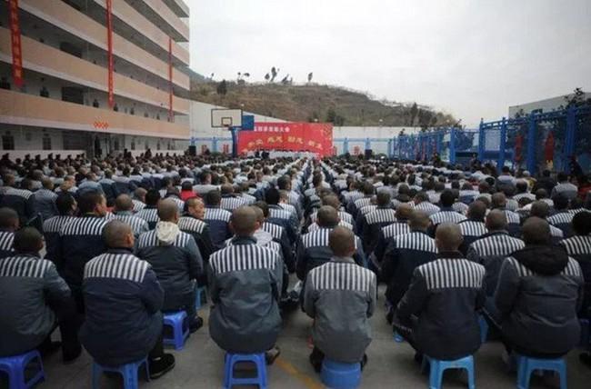 Nhà tù Trung Quốc ứng dụng AI để giám sát phạm nhân 24/7, phát hiện động cơ đào tẩu ngay từ khi còn đang ấp ủ - Ảnh 1.