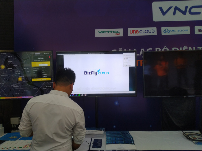 Triển lãm các nền tảng số của Việt Nam: thiết bị 5G của Viettel, Vsmart, Bizfly Cloud cùng nhiều giải pháp số mùa dịch  - Ảnh 4.