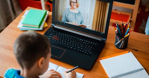 Học trực tuyến bùng lên, cơ sở hạ tầng khó đáp ứng, trường học tìm đến dịch vụ điện toán đám mây để cứu cánh