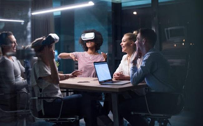 Công nghệ ảo AR/VR sẽ thay đổi ngành thương mại điện tử như thế nào trong tương lai?